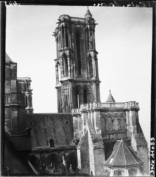 Tour du transept nord