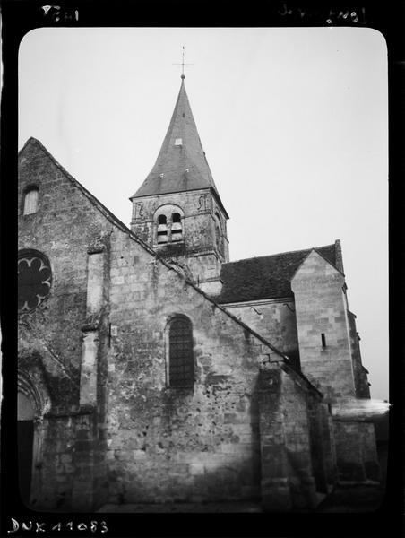 Façade ouest et partie supérieure du clocher