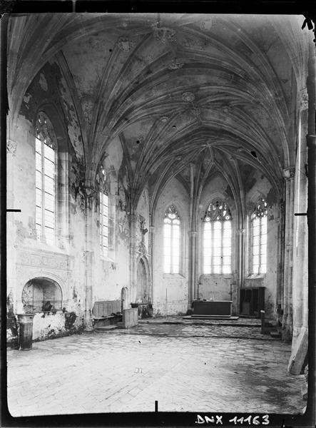 Chapelle, intérieur : nef vers le choeur