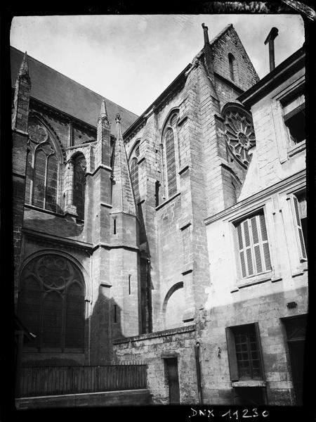 Transept sud : pinacles