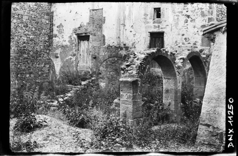 Cloître : ruines