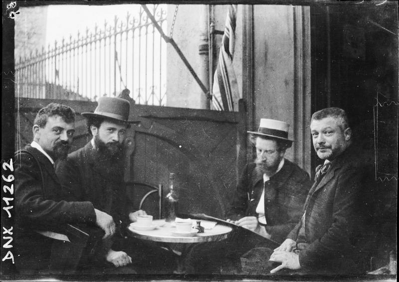Participants du Congrès du Puy attablés
