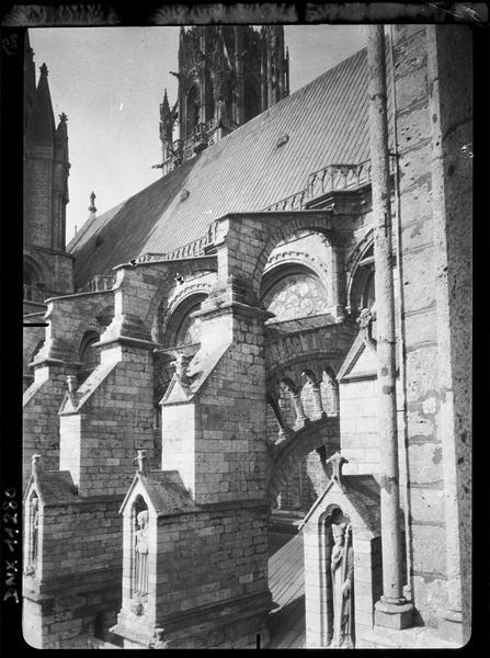 Arcs-boutants de la façade sud, détails