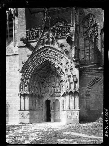 Façade sud : portail