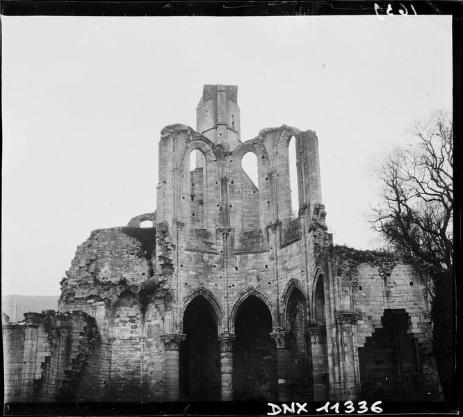 Ruines de l'église : parties hautes du choeur