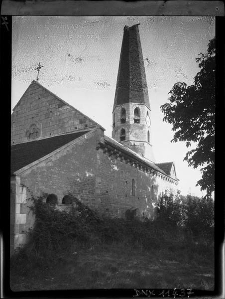 Pignon ouest, façade sud et clocher