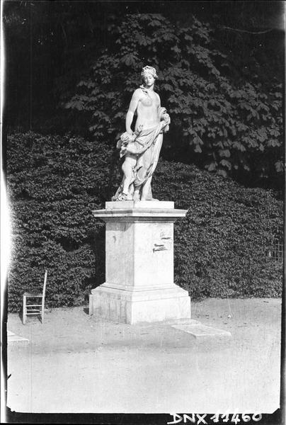 Parterre d'Eau, fontaine du Soir : statue du Midi
