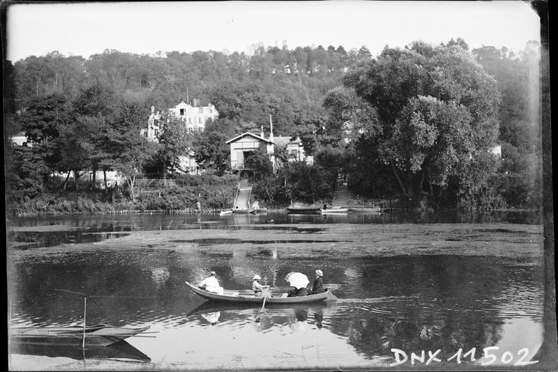 Promenade en barque sur la Marne