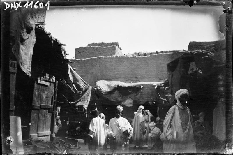 Quartier arabe : rue animée
