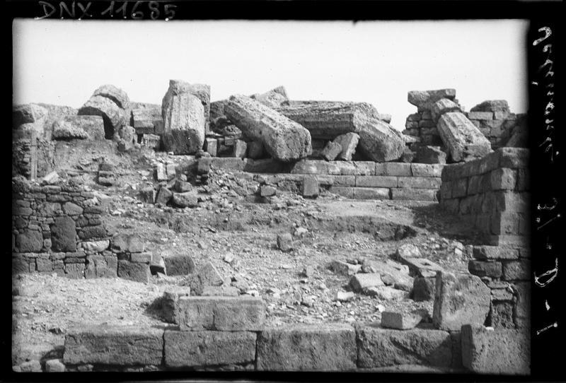 Murs de pierre et tambours de colonnes