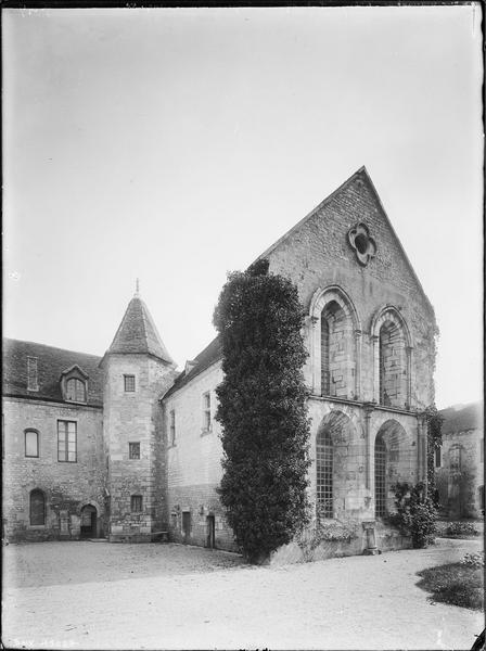 Logis abbatial : angle nord-ouest