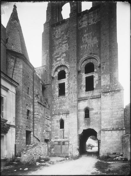 Tour Saint-Paul au sud-ouest et tourelle d'escalier attenante au réfectoire