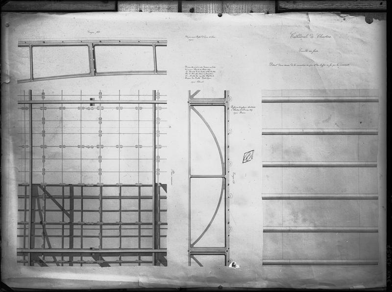 Plan et coupe : détail d'une travée de la couverture en zinc et des châssis en fer qui la reçoivent