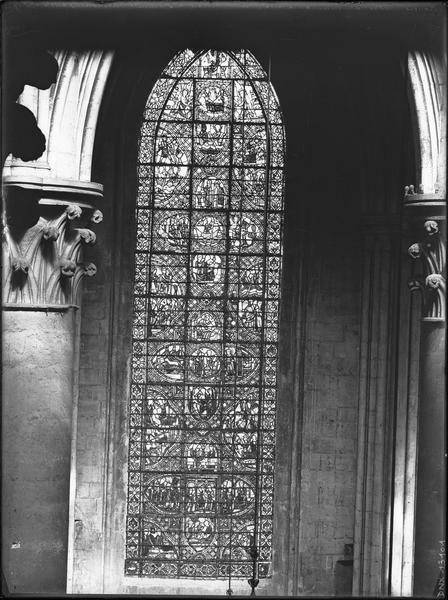 Intérieur, déambulatoire au nord : vitrail de saint Julien l'Hospitalier, vue d'ensemble
