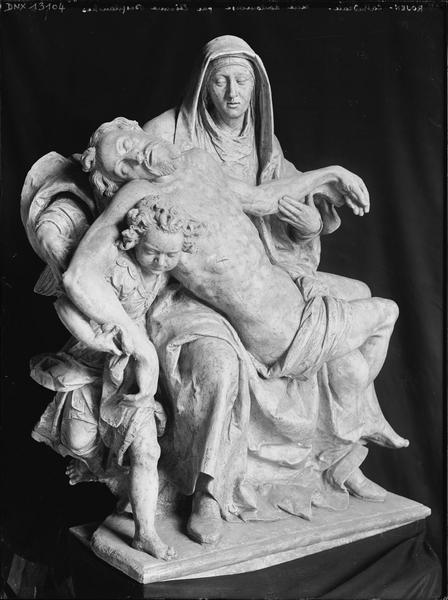 Groupe sculpté : Notre-Dame de Pitié