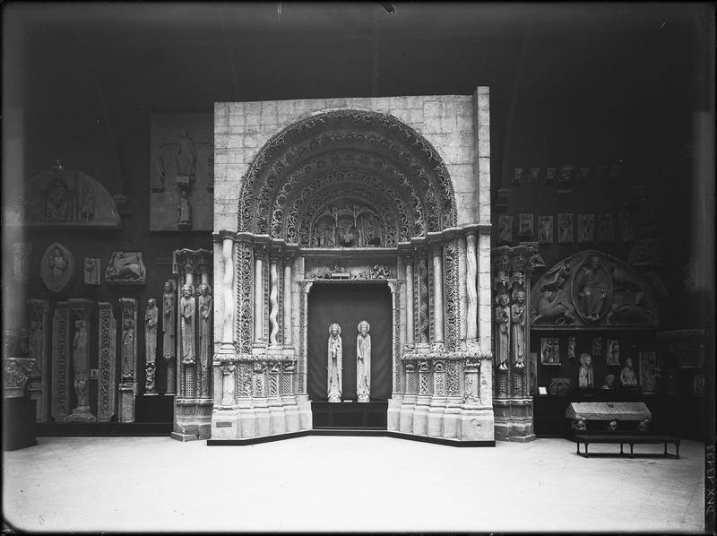 Moulage : portail sud de la façade ouest