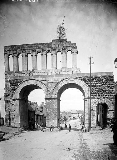 Porte d'Arroux  ;  Voie Agrippa