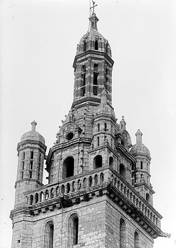Tour-clocher