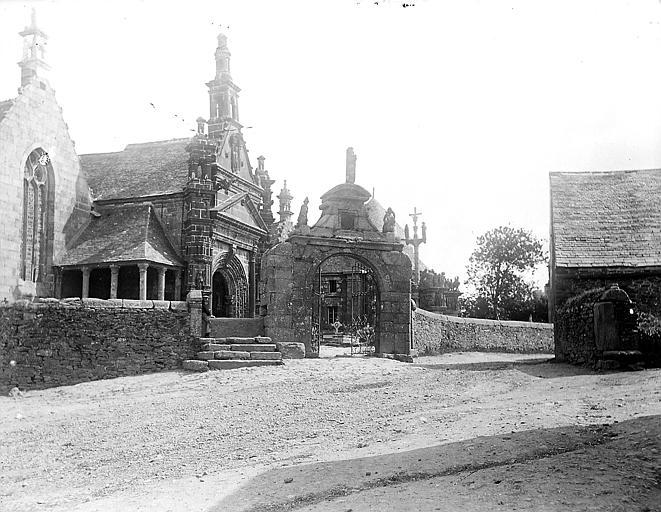 Eglise  ;  Arc triomphal