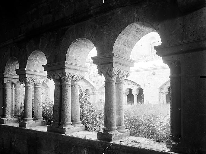 Colonnes et piliers