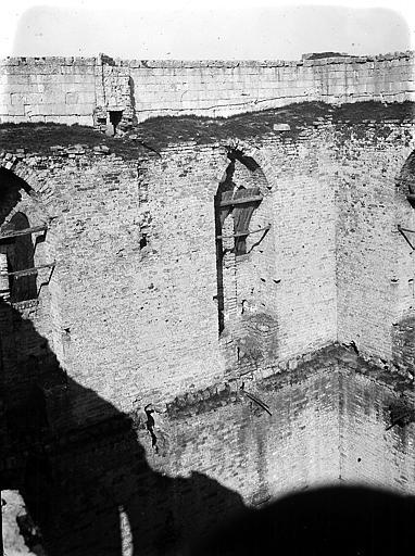 Intérieur: ruines
