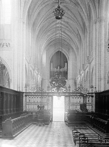 Choeur liturgique et nef