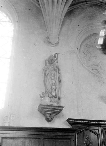 Statue: ecclésiastique