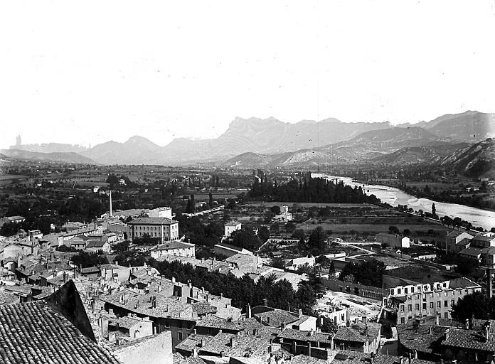 La ville: vue prise près du donjon