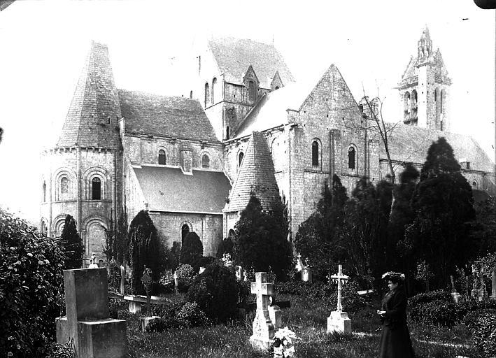Vue d'ensemble et cimetière