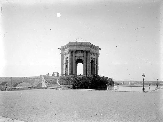 Belvédère sur la Promenade du Peyrou et début de l'aqueduc Saint Clément