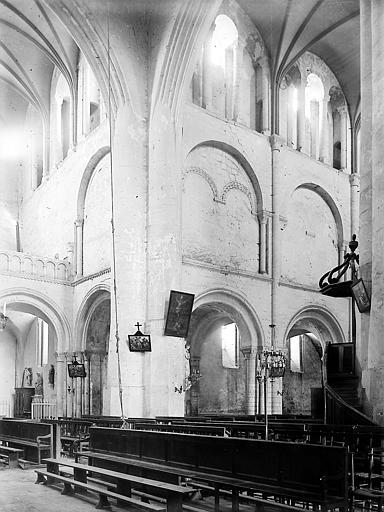 Eglise. Croisée du transept