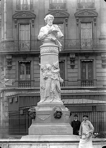 Monument au peintre Gavarni