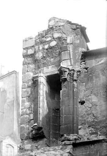 Tour: ruines