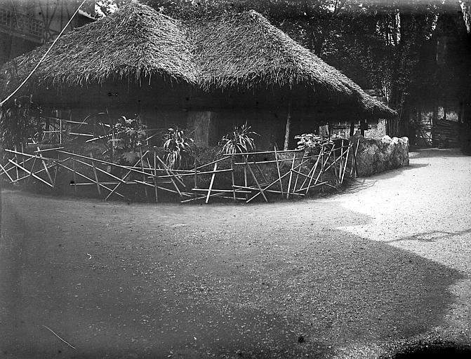 Pavillon du Dahomey ; Jardins du Trocadéro