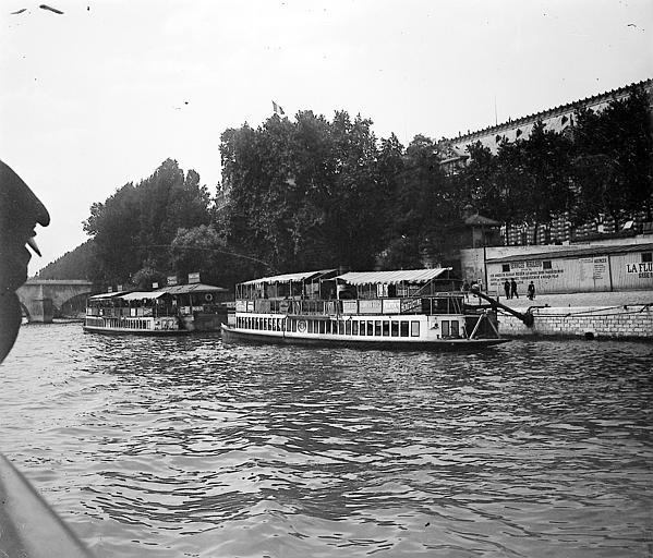 Transports fluviaux réguliers