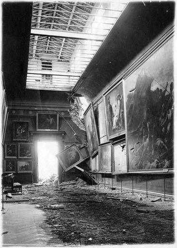La galerie Nieuwerkerque atteinte par le bombardement