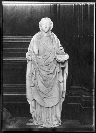 statue : Marie, mère de Cléophas ?