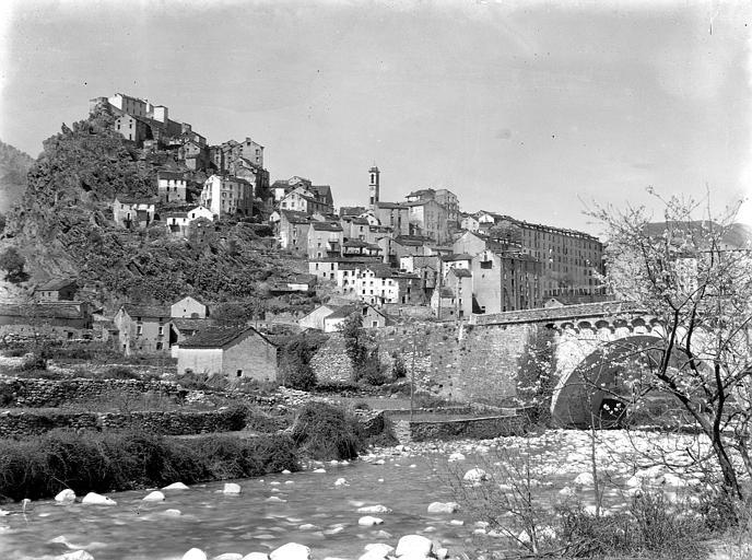 Vue générale de la ville et de la forteresse