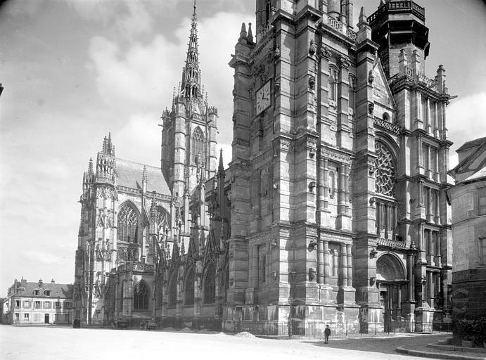 Transept et bas-côté nord, façade arrière, vus du nord-ouest