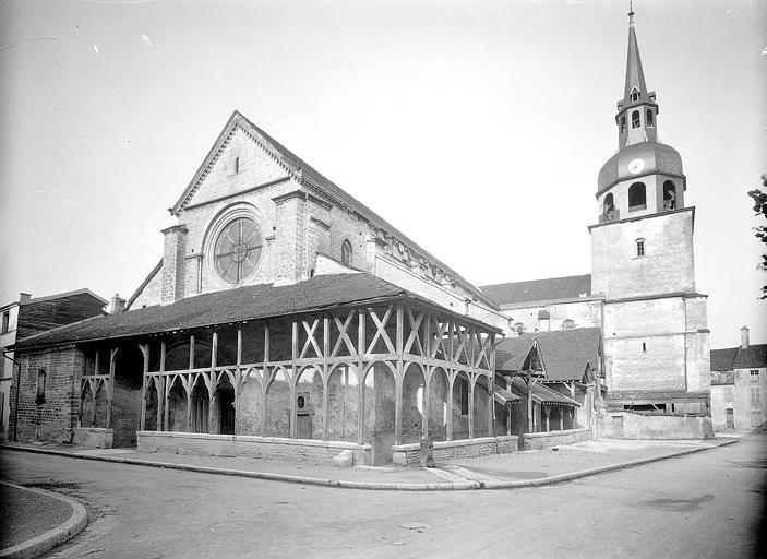 Ensemble sud-ouest avec galerie en bois du XIVe siècle