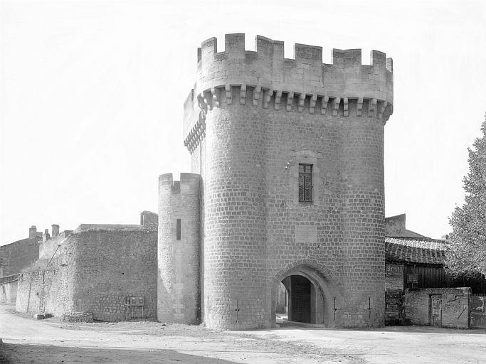 Porte de Ville : Vue d'ensemble extra-muros, côté sud