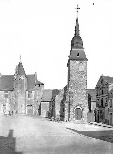 Façade côté place et clocher de l'église