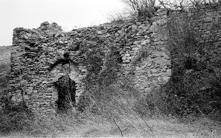 Façade latérale avec portail
