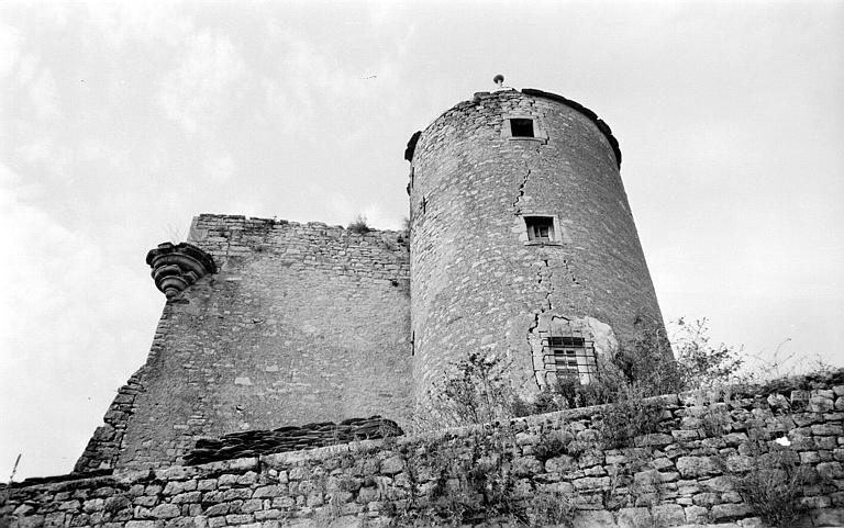 Vue d'ensemble du côté de la tour