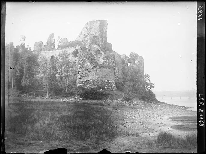 Ruines du château du Guildo : vue d'ensemble