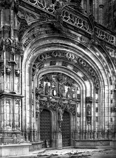 Portail ouest : grande arcade