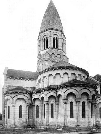 Extérieur, abside, clocher, côté sud-est