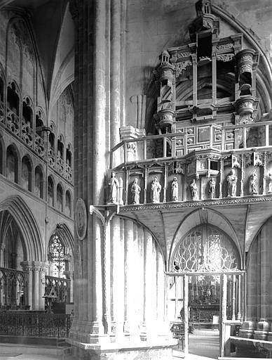 Pile sud-est de la croisée, jubé avec orgue