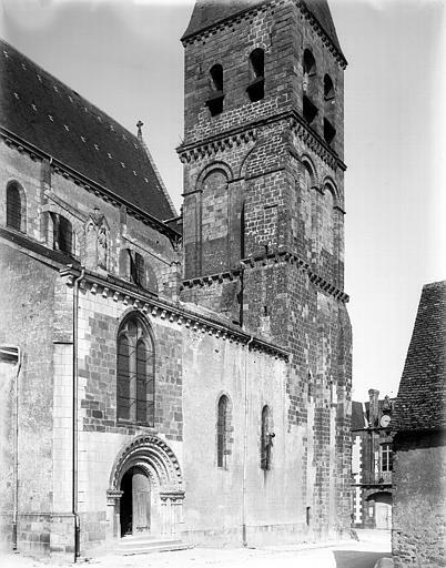 Clocher, portail latéral sud