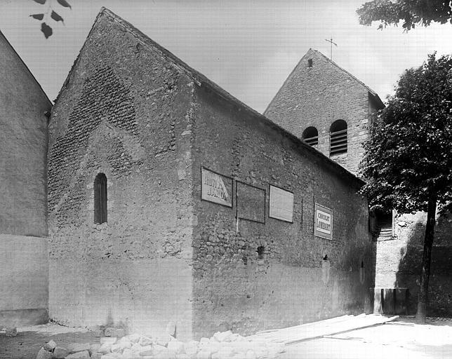Extérieur : angle de façades